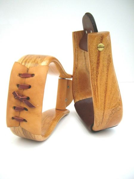 Double CC deluxe Holzsteigbügel lackiert - helles o. dunkles Trittleder